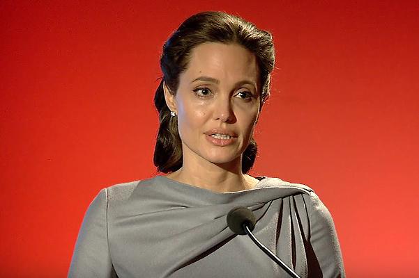 Анджелина Джоли раскритиковала Дональда Трампа