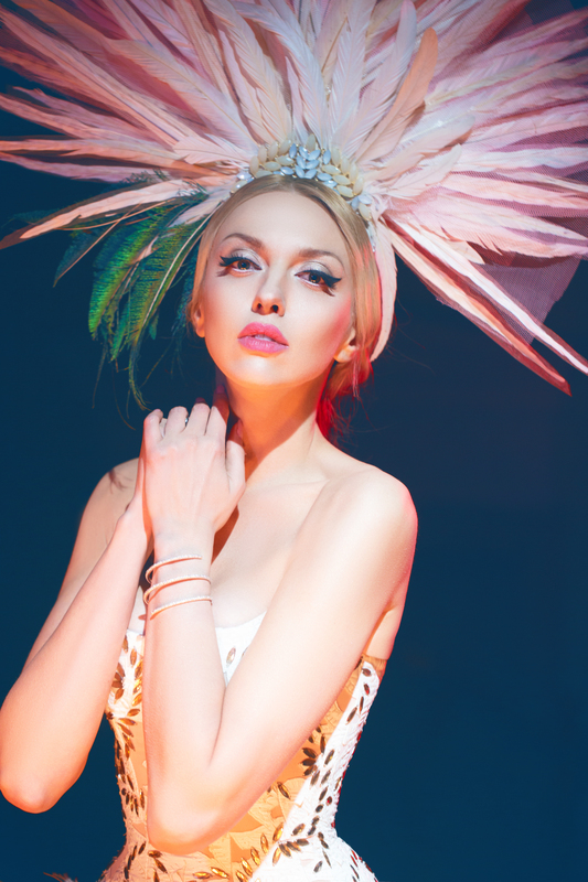 Бесстрашная блондинка: Оля Полякова выступила в зоне АТО