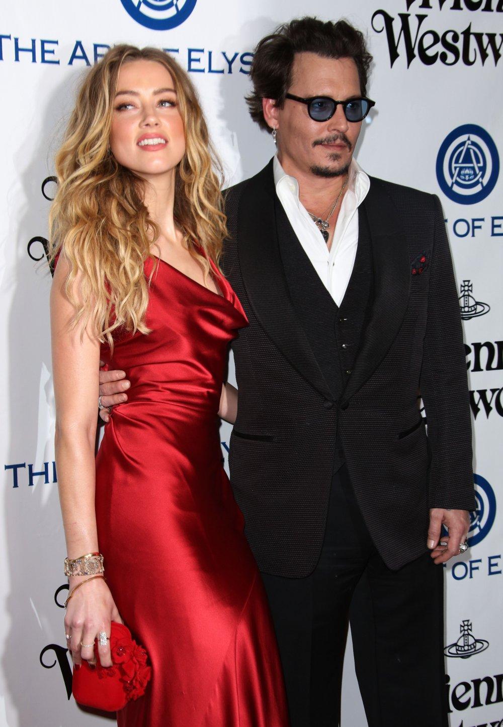 Джонни Депп разводится со своей красавицей-женой – СМИ