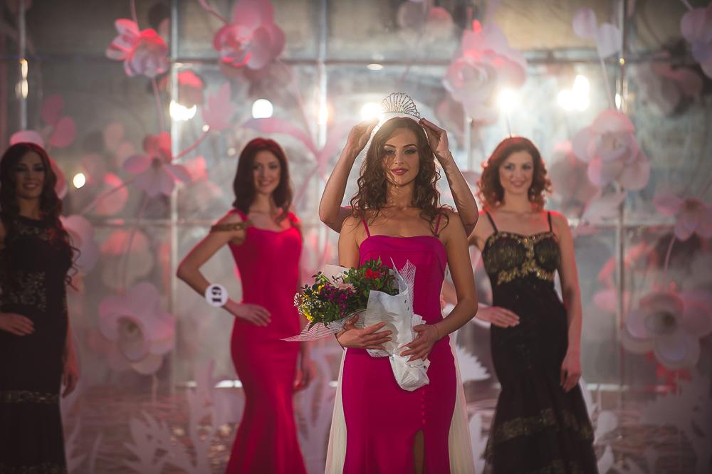 Алена Лесык на конкурсе красоты
