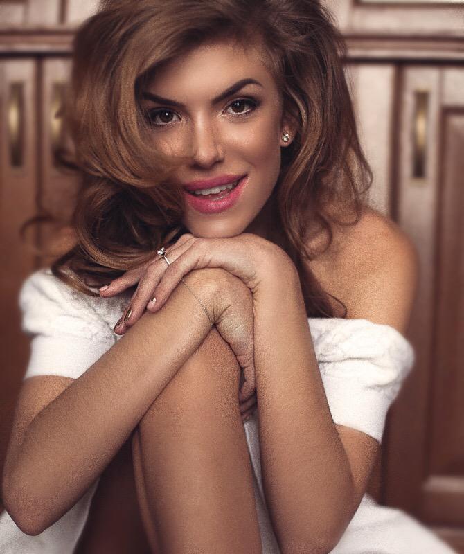 Повзрослевшая Ассоль Катя Гуменюк в свой день рождения посвятила возлюбленному песню