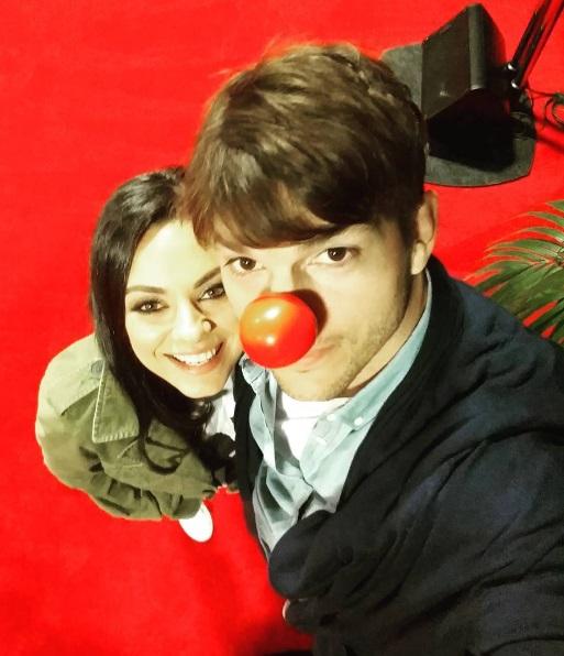 Мила Кунис и Эштон Катчер веселятся на камеди-шоу