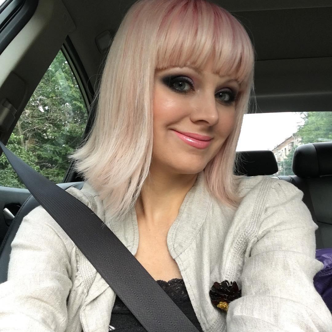 Певица Натали травмировала лицо пластическими операциями