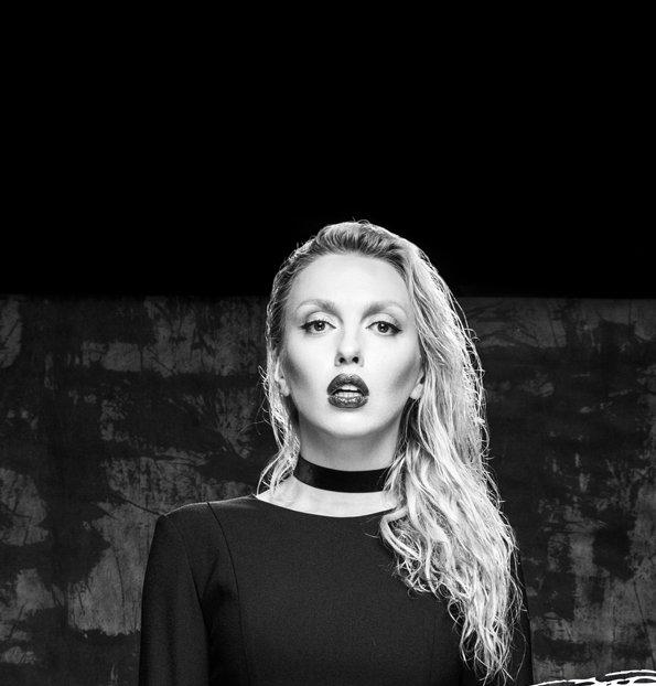 Неожиданно: Оля Полякова сняла кокошник ради Андре Тана