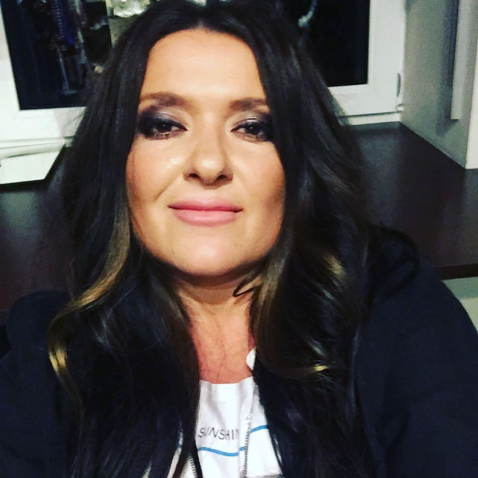 Наталья Могилевская опубликовала соблазнительное фото с оголенной грудью