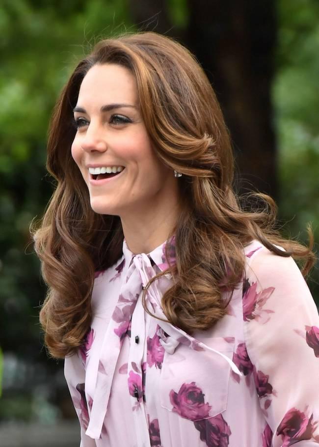 Королева цветов: Кейт Миддлтон восхищает нежным нарядом