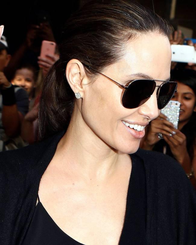 Анджелина Джоли впервые замечена после новости о разводе