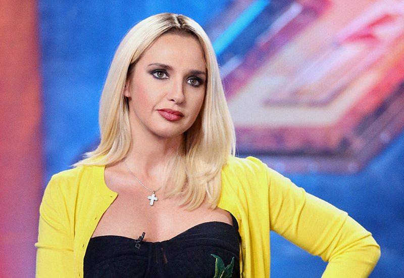Оксана Марченко стала платиновой блондинкой