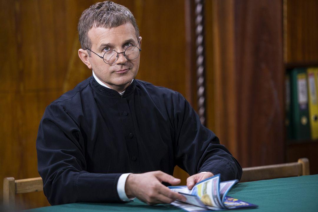 Юрий Горбунов в роли священника