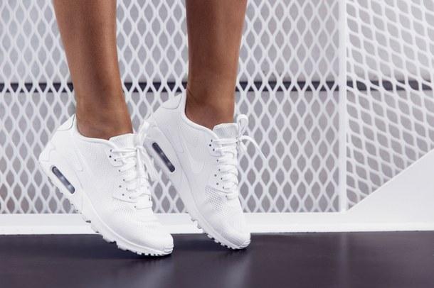 Выбираем женские кроссовки