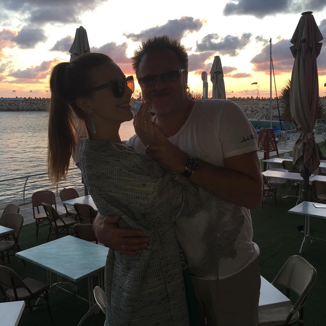 Крошка-сын Владимира Преснякова и Натальи Подольской позирует на камеру