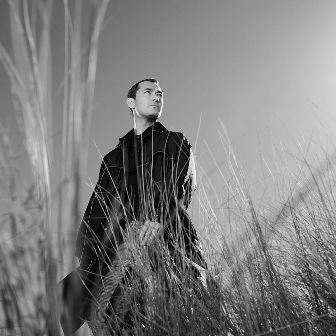 Джуд Лоу стал лицом новой кампании Prada