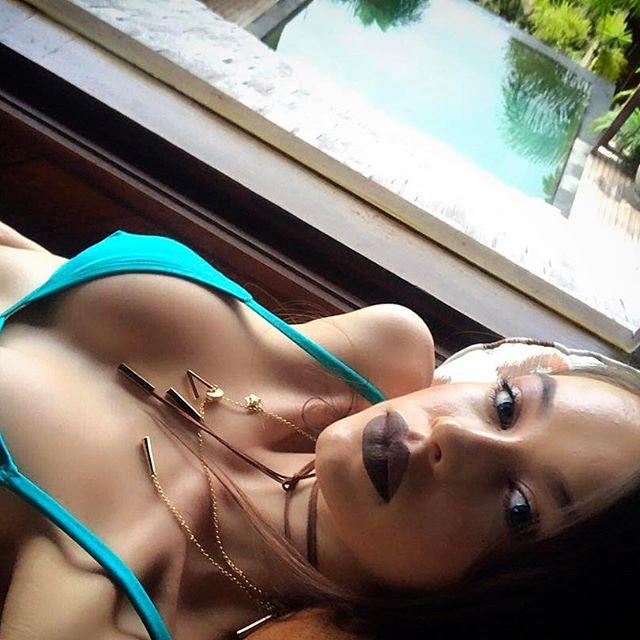 Мисс соблазнительность: Мария Яремчук продемонстрировала пышную грудь
