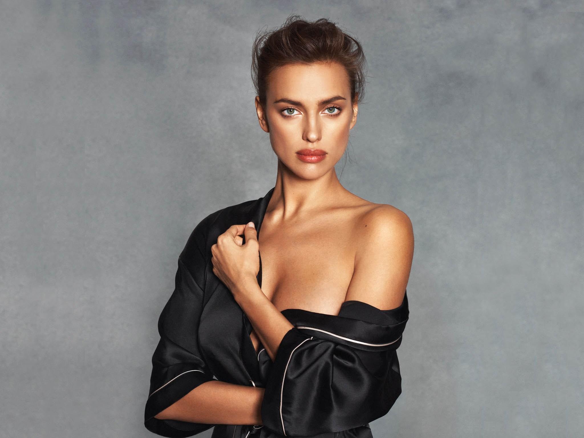 Ирина Шейк блистает в новом образе на обложке японского Vogue