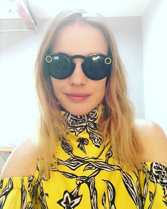 Мама пятерых детей Наталья Водянова позирует в красном купальнике в Лос-Анджелесе