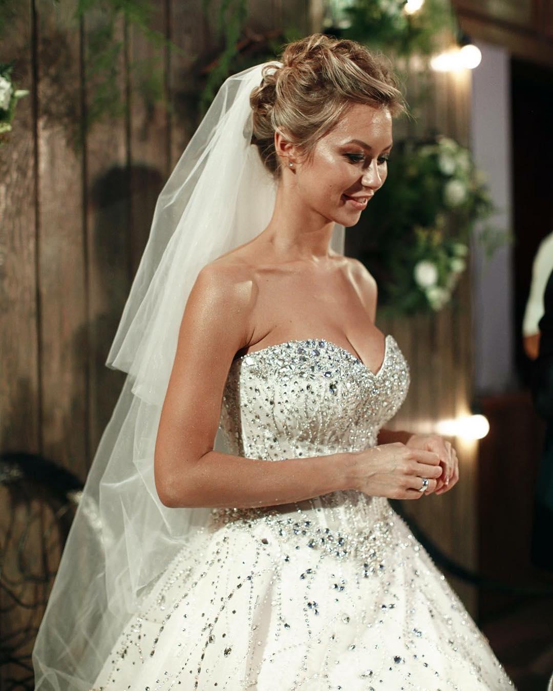 Полина Логунова фото со свадьбы