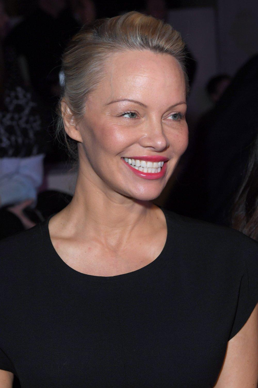 Памела Андерсон фото 2017