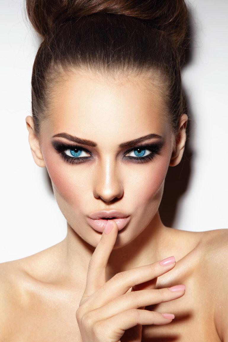 Патриция Ледо голубые глаза