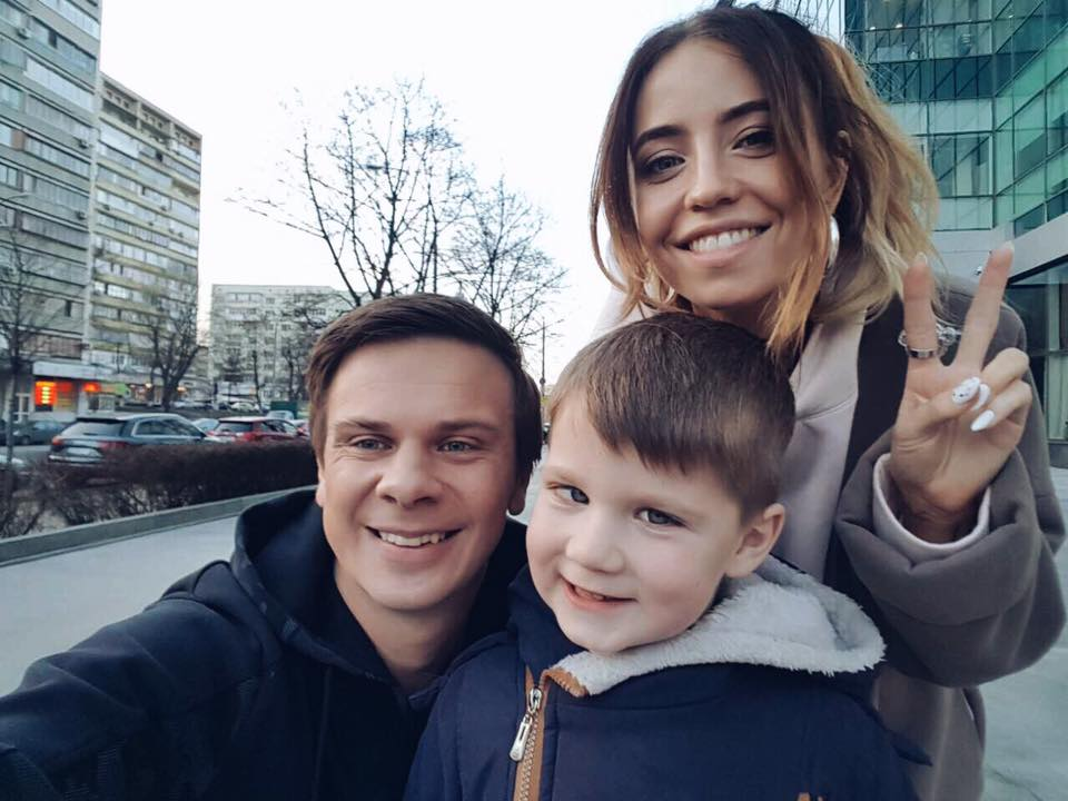 Дмитрий Комаров и Надежда Дорофеева собрали 3 млн грн