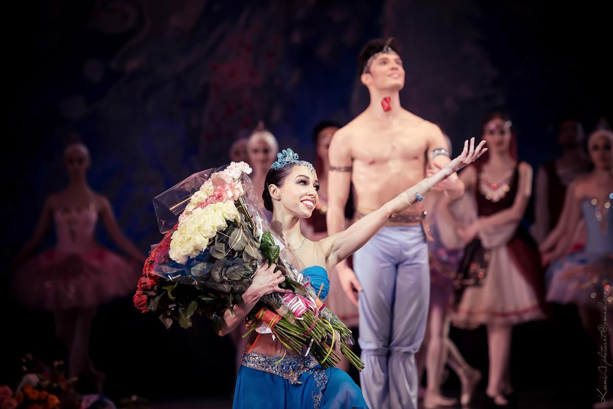 Светские львицы Киева посетили балет Корсар