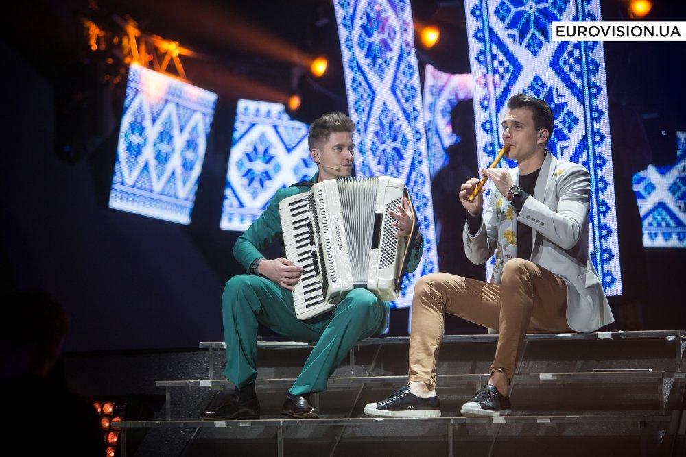 Ведущие Евровидения-2017 во втором полуфинале
