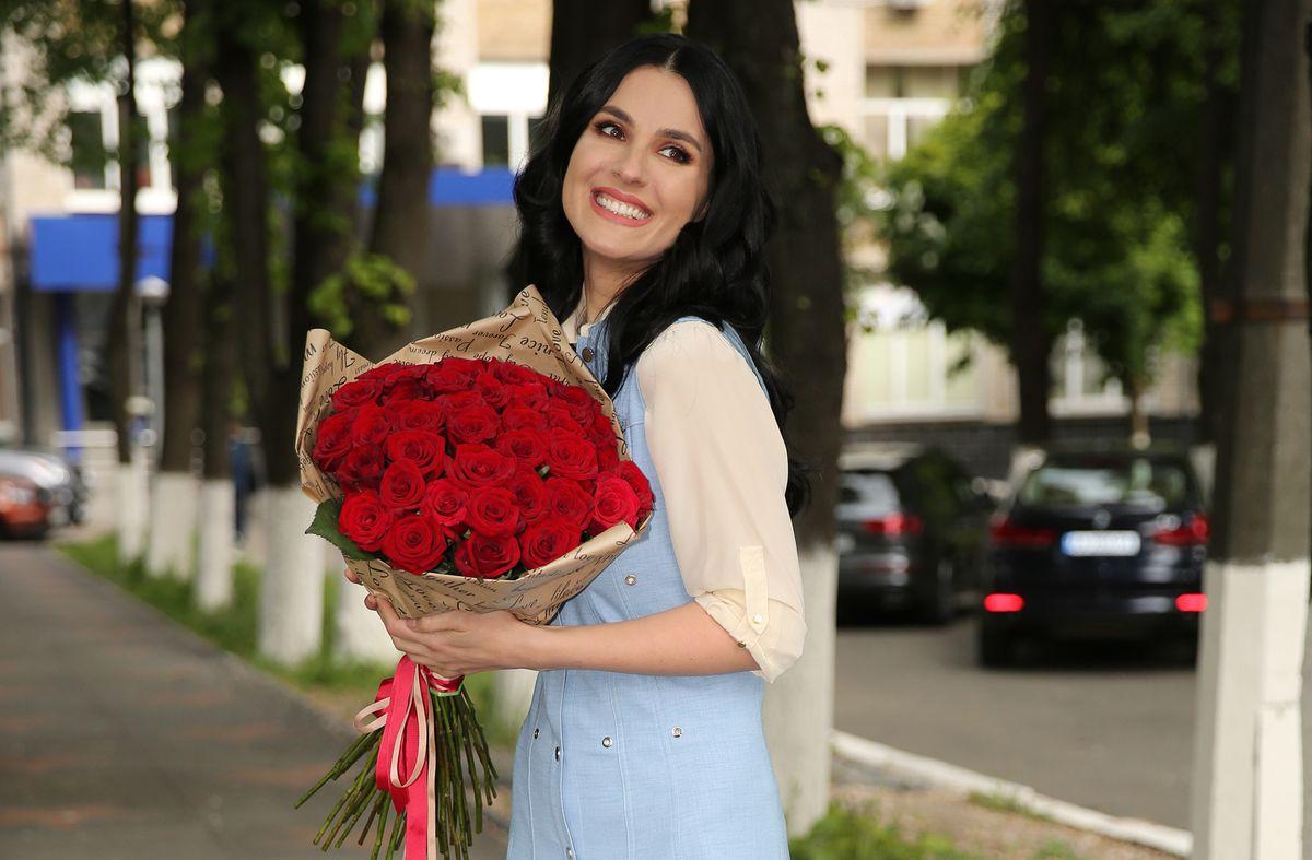 Маша Ефросинина с цветами