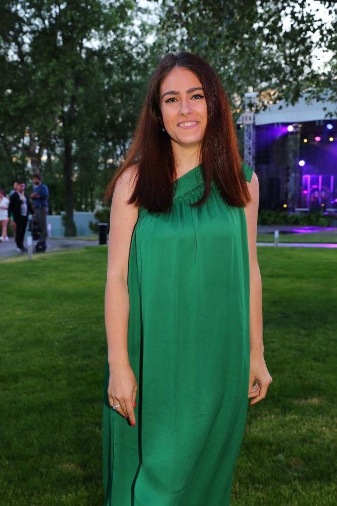 Маша Собко в зеленом