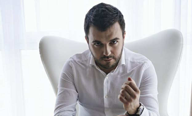 Григорий Решетник в фотосессии для Viva!