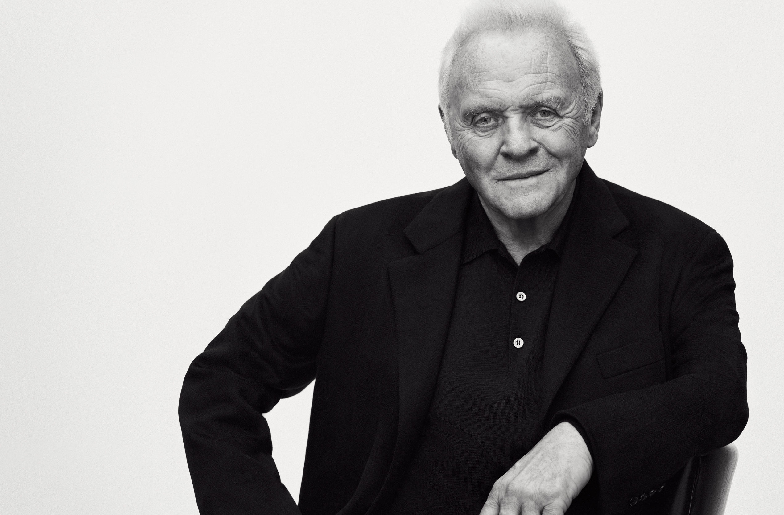 Мужчина-легенда: 79-летний Энтони Хопкинс снялся в элегантной фотосессии для модного бренда