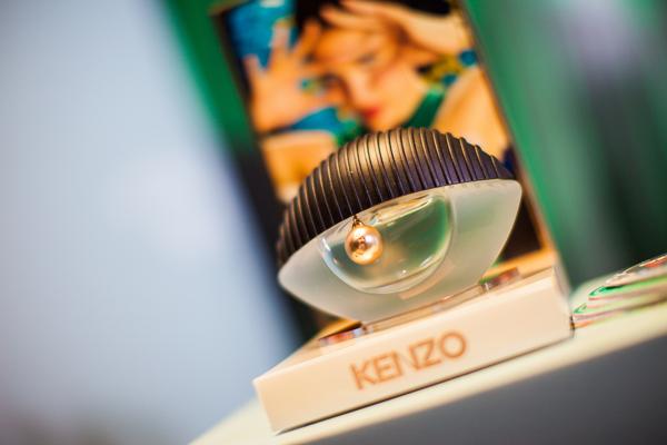 С глазу на глаз - в Украине презентовали аромат Kenzo World