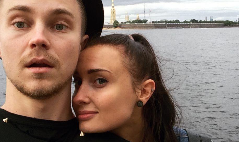 Артем Пивоваров и его девушка Даша