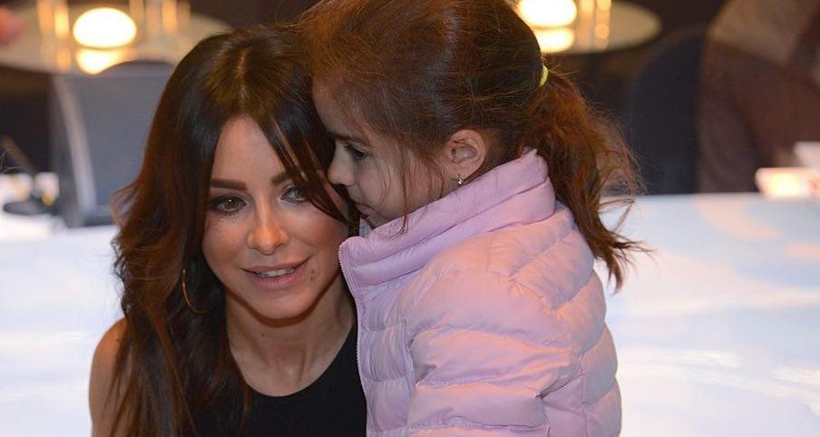 Маленькая хозяюшка: дочь Ани Лорак делает первые успехи в кулинарии