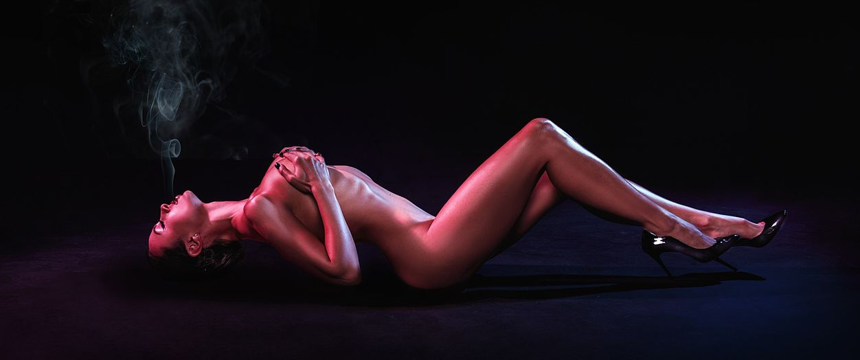 Анастасия Кумейко снялась в горячей фотосесии