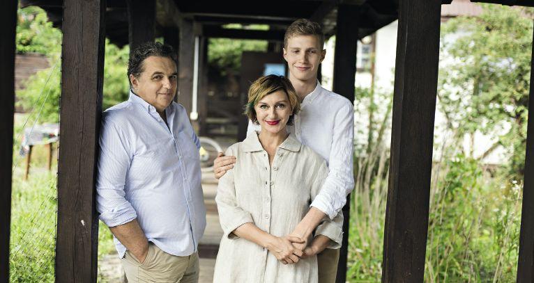 Римма Зюбина знакомит с мужем и сыном