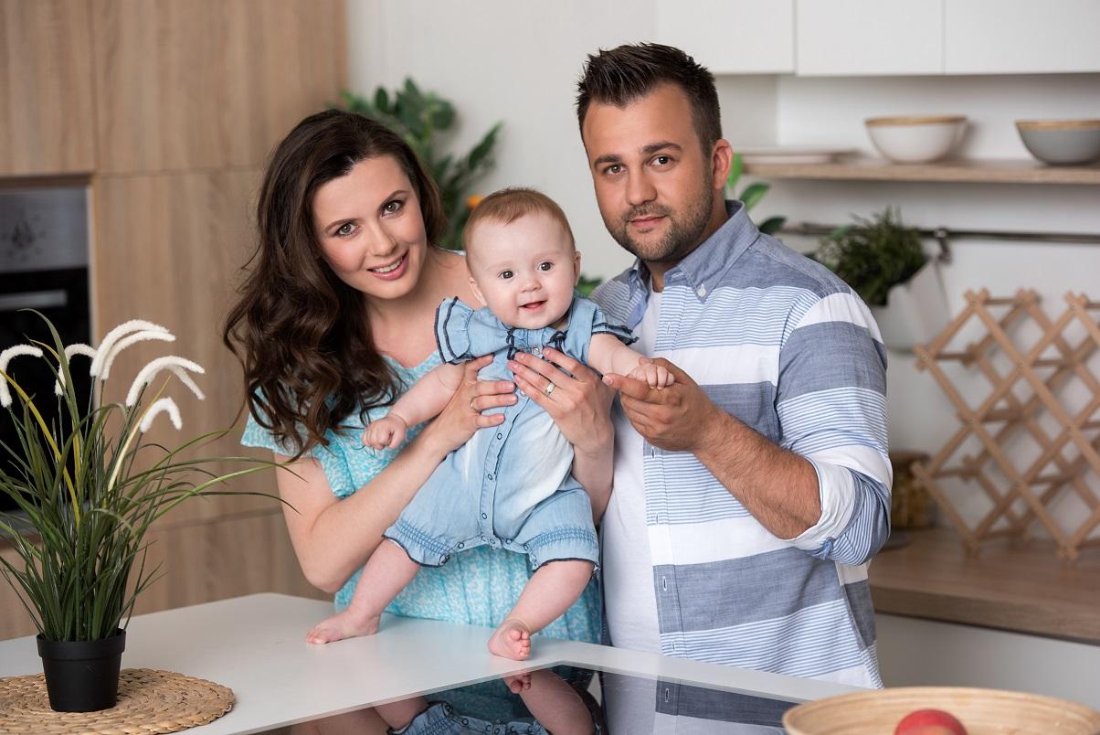 Ведущий 1+1 Алексей Душка крестил дочь: эксклюзивные фото на Viva.ua