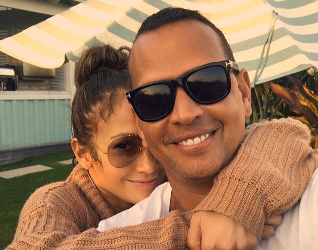 """Дженнифер Лопес об отношениях с Алексом Родригесом: """"Это настоящая, чистая любовь"""""""