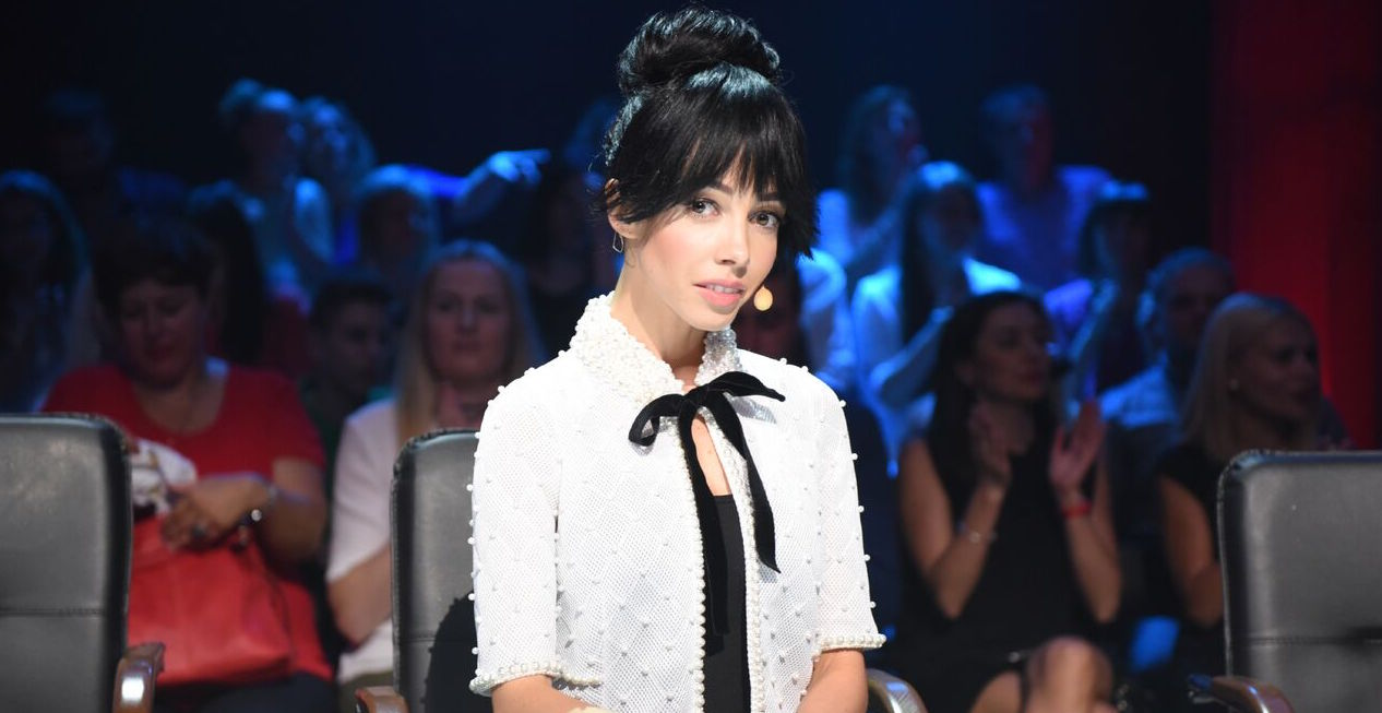 Строгая изысканность: судья шоу Танці з зірками восхитила элегантным нарядом