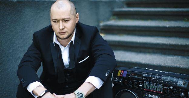 Андрей Хлывнюк в фотосессии для Viva!