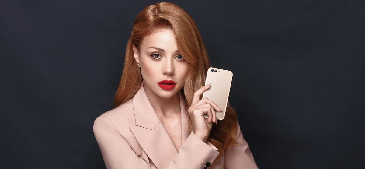 Тина Кароль стала лицом Huawei в Украине