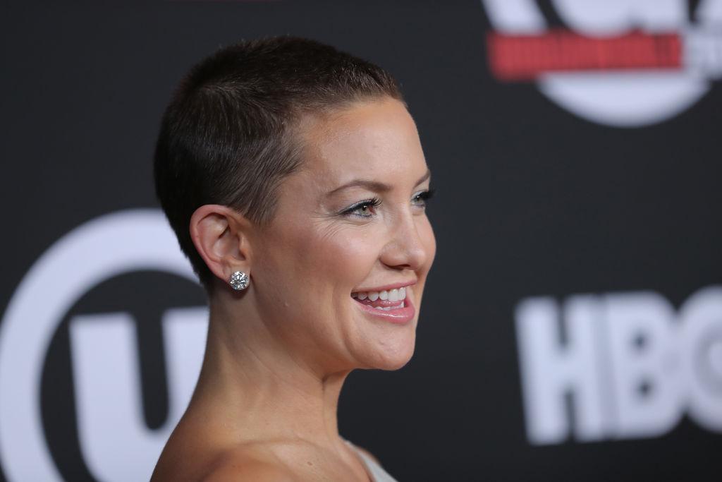 Кейт Хадсон шокировала поклонников новой стрижкой