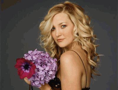 Кейт Хадсон с цветами