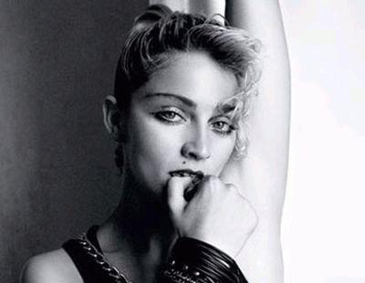 Мадонна в ч/б из журнала Out