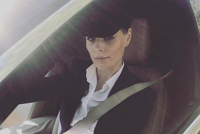 Ольга Фреймут обескуражила поклонников облегающим кожаным нарядом