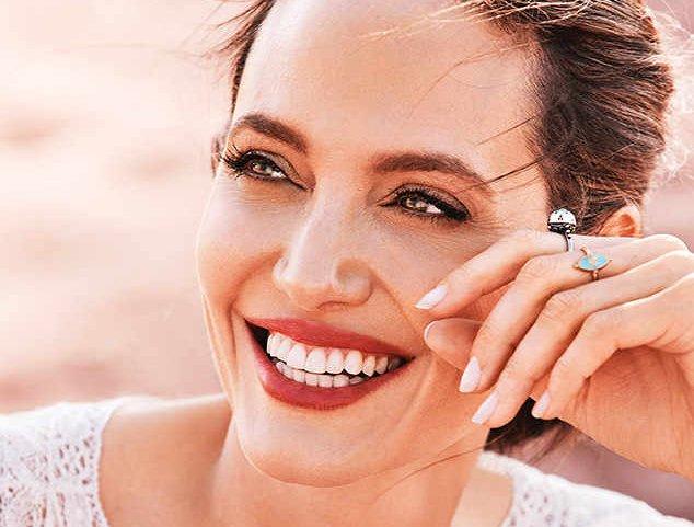 Лучшая фотосессия года: Анджелина Джоли снялась для обложки Harper's Bazaar