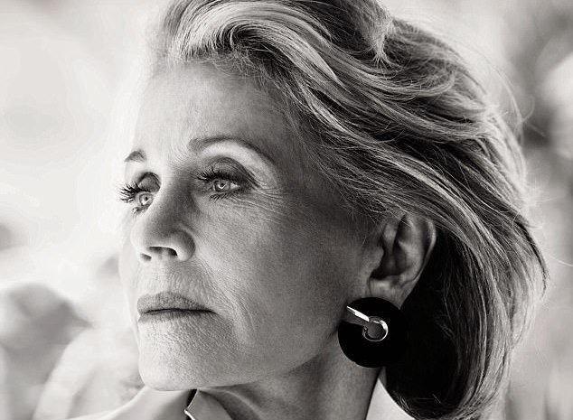 79-летняя Джейн Фонда блистает на обложке глянца без фотошопа