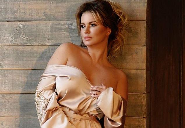 Анна Семенович рассказала о романе с греческим миллионером