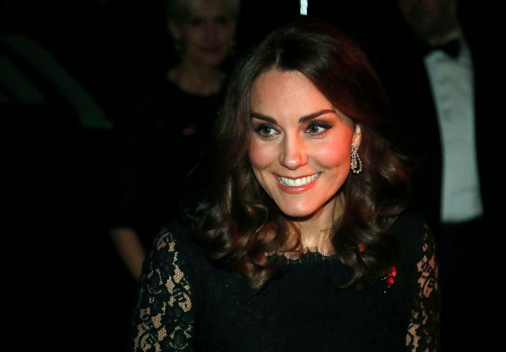 Беременная Кейт Миддлтон в элегантном платье блистает на гала-ужине в Лондоне
