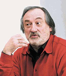 Богдан Ступка с рукой