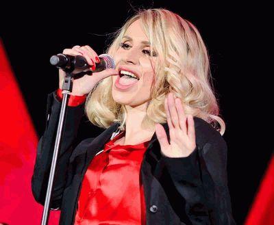 Светлана Лобода с микрофоном - 2011