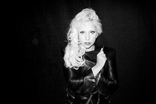 Леди Гага в чб
